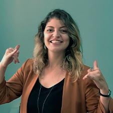 LARISSA ILAÍDES